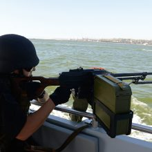 ES dėl konfrontacijos Azovo jūroje paskelbs sankcijas aštuoniems rusams