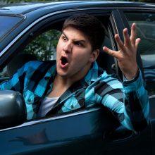 Daugiausia streso kelyje kyla dėl staiga persirikiuojančių automobilių