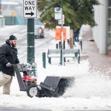Po sniego audros JAV atšaukta šimtai skrydžių