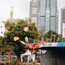 Australijoje šokinėjant į upę rinktos lėšos labdarai