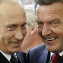 """""""Nord Stream"""": trileris apie šnipus, paperkamus politikus ir vargšes antis"""