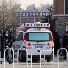 Kinijoje į minią įsirėžus automobiliui žuvo šeši žmonės