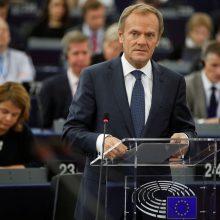 D. Tuskas: Lenkijos vyriausybė vykdo Kremliaus planą