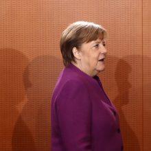 Vokietiją ragina nustoti elgtis taip, tarsi būtų maža šalis