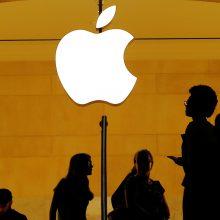 """""""Apple"""" – vėl pati vertingiausia pasaulio įmonė"""