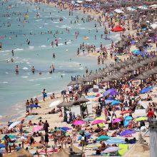 Išvarytieji iš rojaus: turistų traukos centrai purtosi svečių