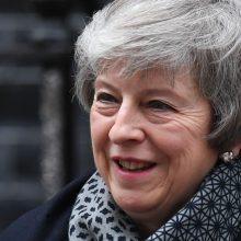 Britų parlamentas balsuos dėl nepasitikėjimo Th. May: ką tai reiškia?