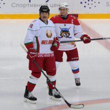 V. Putinas ir A. Lukašenka susitikimą užbaigė ledo ritulio aikštėje