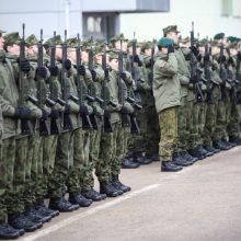 Karo akademijoje prisiekė Jaunesniųjų karininkų vadų mokymų klausytojai