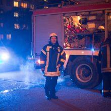 Kėdainiuose penkių aukštų name dega butas