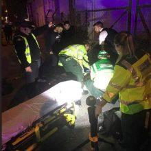 Londone prie musulmonų centro automobilis įsirėžė į pėsčiuosius