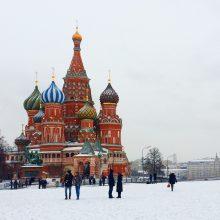 Apklausa: rusams trūksta pinigų drabužiams ir maistui