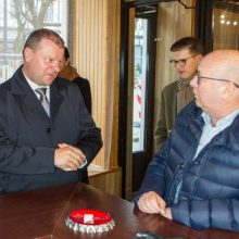 Naujausios apklausos: smuko Kauno mero ir valdančiųjų lyderių reitingai
