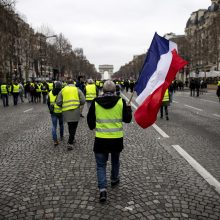 "Prancūzijos ""geltonosios liemenės"" vėl sugrįžo į gatves"