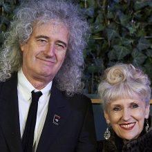 """""""Queen"""" gitaristas: galvojome, kad į mūsų koncertus ateis daugiausiai 100 žmonių"""