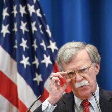 J. Boltonas: JAV sankcijos Rusijai liks galioti, kol Maskvos elgesys pasikeis