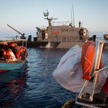 """Gelbėjimo laivu """"Aquarius"""" plaukiantys migrantai bus paskirstyti keturioms šalims"""
