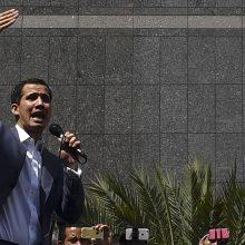 Venesuelos opozicijos lyderis: N. Maduro nori išpumpuoti į Urugvajų 1,2 mlrd. dolerių