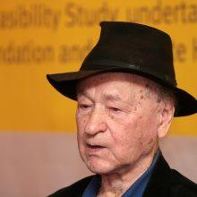 Eidamas 97-uosius metus mirė režisierius Jonas Mekas