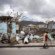 Uragano nusiaubtoje Karibų jūros saloje įstrigo trys Lietuvos piliečiai