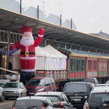 Kalėdinės nuotaikos pardavėjas į Lietuvą kasmet atvyksta iš Anglijos