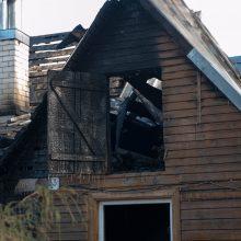 Po gaisro kauniečiai liko be namų