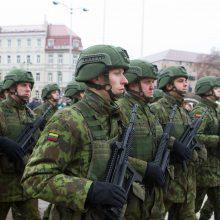 Krašto apsaugos ministerija siūlo kelti karių atlyginimus