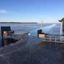 Atsivėrusi properša žvejų nesustabdė