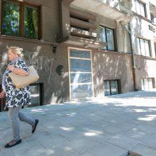 Kuo ypatingos V. Putvinskio g. 32-ojo namo durys?