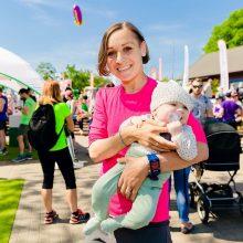 Motinystė bėgikėms suteikė sparnus–  jos gerina rekordus