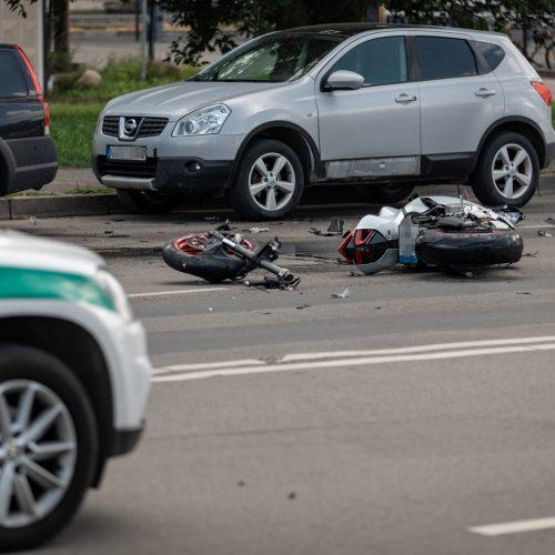 Motociklo ir opelio avarija Jonavos g.