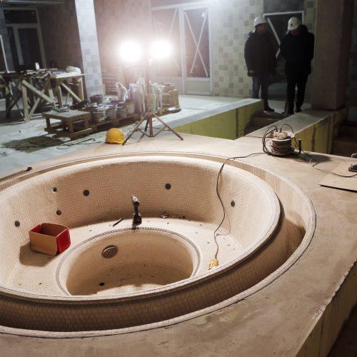 Meras apžiūrėjo baigiamą statyti baseiną  © Vytauto Petriko nuotr.