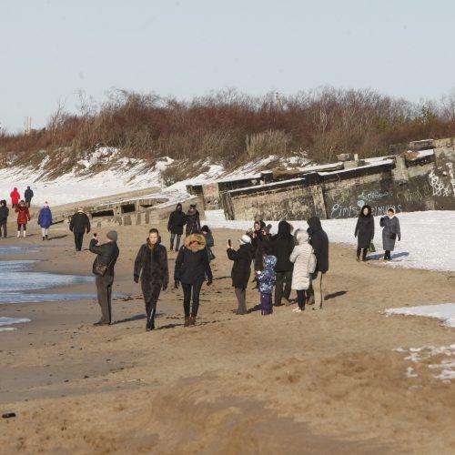 Klaipėdiečiai šeštadienį laiką leido prie jūros  © Vytauto Liaudanskio nuotr.
