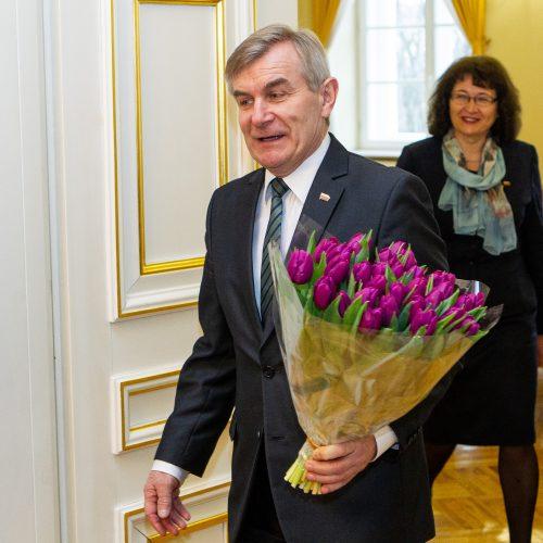 Seimo valdyba sukviesta į Prezidentūrą