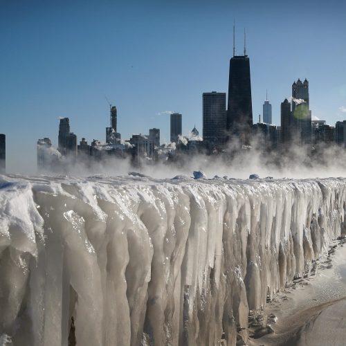 Stingdančio šalčio banga JAV