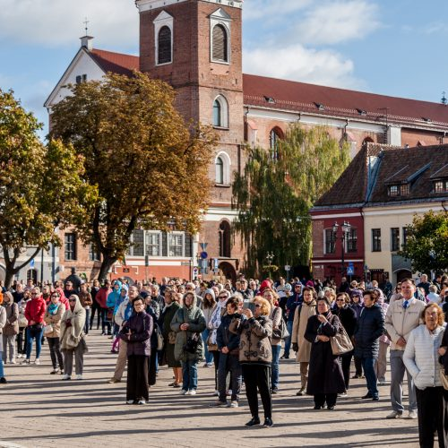 Šventasis Tėvas Kauno rotušės aikštėje  © Laimio Steponavičiaus nuotr.