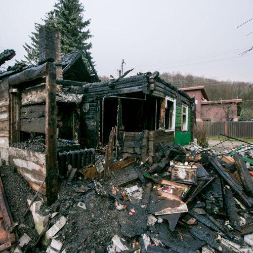 Sudegęs namas Kidulių g.  © Vilmanto Raupelio nuotr.