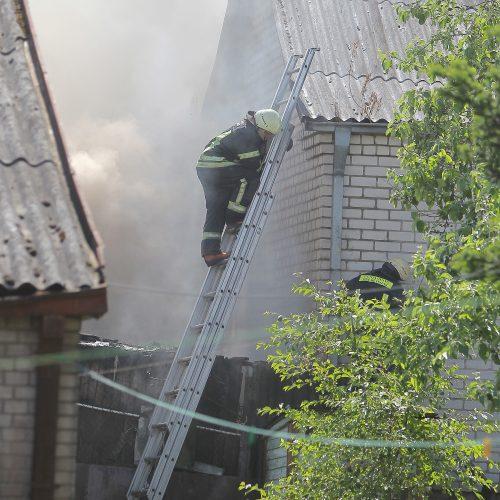 Aleksote degė ūkiniai pastatai  © Evaldo Šemioto nuotr.