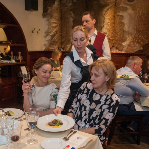 Prancūziška vakarienė Medžiotojų užeigoje  © Akvilės Snarskienės nuotr.