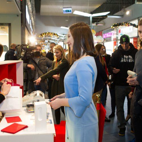 """Raudonojo Kryžiaus """"Vilties"""" parduotuvės atidarymas  © V. Skaraičio / BFL nuotr."""