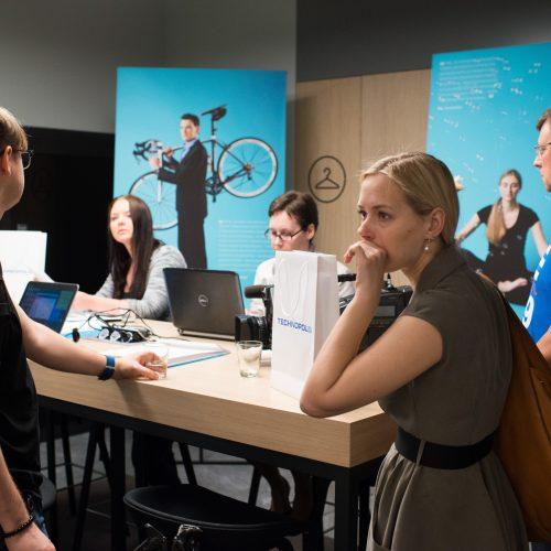 "Atidarytas ""Booking.com"" skambučių centras  © V. Skaraičio / BFL nuotr."