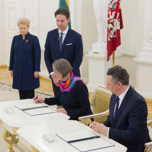 Vokietija Vasario 16-osios aktą perdavė Lietuvai