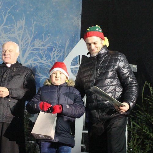 Kalėdų eglės įžiebimas Telšiuose  © Organizatorių nuotr.