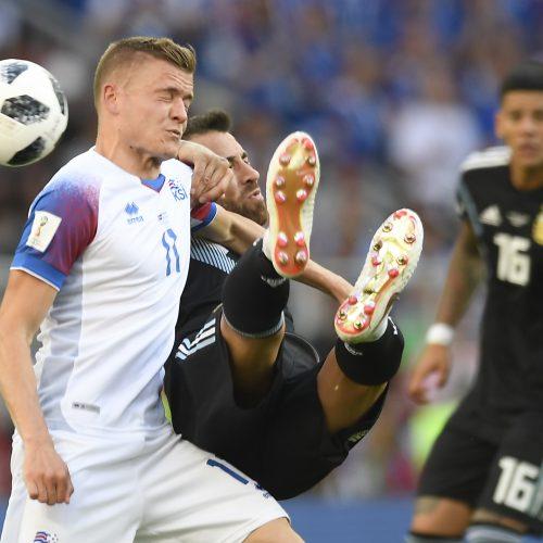 Islandai savo pasaką pasaulio čempionate pradėjo lygiosiomis