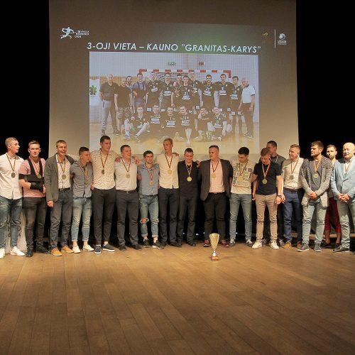 Lietuvos rankinio čempionatų apdovanojimai  © Evaldo Šemioto nuotr.