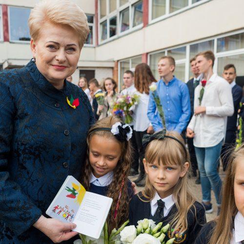 Prezidentė J. Basanavičiaus gimnazijoje