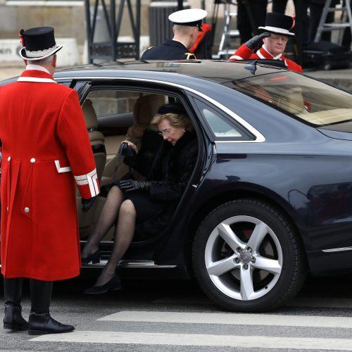 Danijos karališkoji šeima atsisveikino su velioniu princu Henriku  © Scanpix nuotr.
