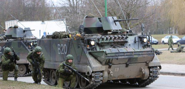 Uostamiesčio gatvėse – karinė technika
