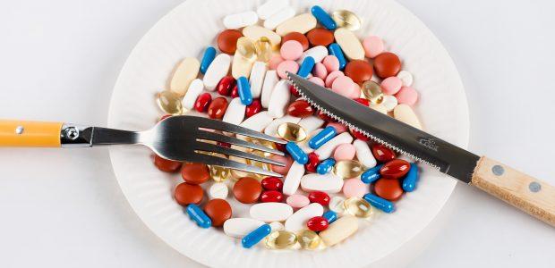 Tyrimas: du trečdaliai Lietuvos gyventojų sirgdami vartoja daugiau nei du vaistus