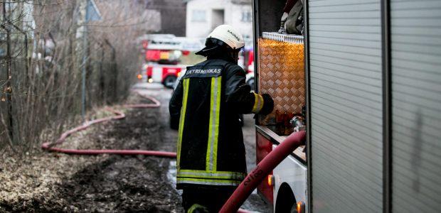 Ugniagesiai – senstančios visuomenės įkaitai
